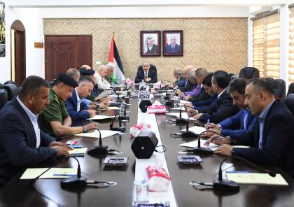 تفاصيل اجتماع اشتيه مع قادة المؤسسة الأمنية ومدرائها في محافظة الخليل