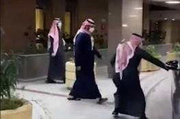 محمد بن سلمان يغادر المستشفى عقب إجراء عملية جراحية (فيديو)
