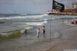 بلدية غزة تصدر تنويهًا هامًا بشأن الأعشاب التي تملأ مياه البحر