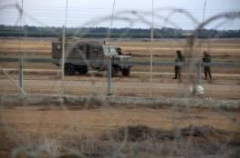 غزة: الاحتلال يعتقل شاب بحوزته سكين ويطارد اخرين