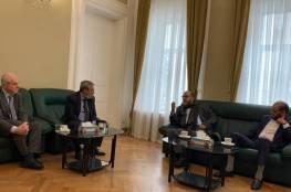 أبو مرزوق يزور السفارة الفلسطينية في موسكو