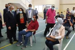 رئيس الوزراء: الطعومات متوفرة وندعو المواطنين لأخذها للخروج كلياً من مرحلة الوباء