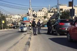 الخليل: إغلاق 15 محلًا واعتقال 10 أشخاص