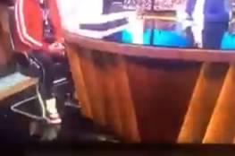 شاهد..غضب في الكويت بعد تداول فيديو لفنان مصري يرتدي حذاء عليه علم الكويت