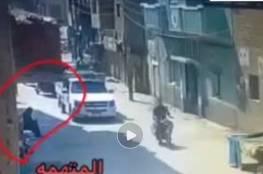 اعلام مصري ينشر فيديو للحظة استدراج مسنة في الشارع وقتلها