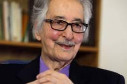 وفاة أول رئيس لإيران