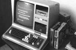 شبكة الإنترنت تحتفل بمرور 50 عاما على إرسال أول رسالة بين مختبرين