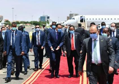 رئيس الوزراء المصري يصل الخرطوم
