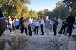 """عشرات المستوطنين يقتحمون الأقصى في """"عيد الغفران"""""""