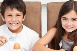 ما هو الحد الآمن من تناول الأطفال للبيض ؟