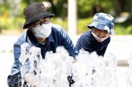 شركات يابانية تطور كمامات مقاومة للحرارة والرطوبة مع اقتراب الصيف