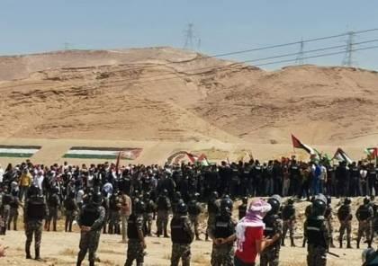 """""""افتحوا الحدود"""".. أردنيون يتوجهون إلى الحدود مع فلسطين (فيديوهات)"""