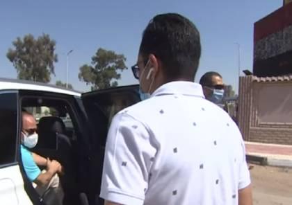 شاهد الفيديو : الرئيس المصري يتوقف بعد إصابة شاب