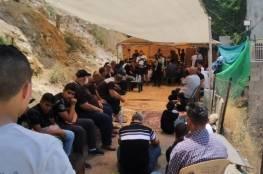 اقامة صلاة الجمعة في خيمة اعتصام حي بطن الهوى