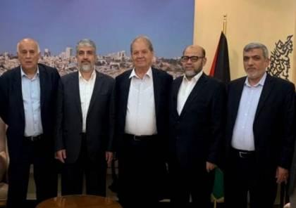 وفد حركة فتح يلتقي مشعل وأعضاء من المكتب السياسي لحماس في الدوحة