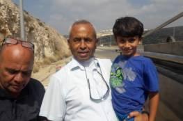 الطفل المخطوف بطريقه إلى عائلته في قلنسوة
