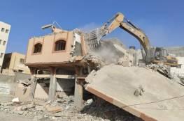 الاحتلال يُسلم 16 اخطارا لهدم منازل وآبار مياه وبركسات جنوب الخليل