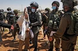 قوات الاحتلال تقمع مسيرة تضامنية مع أهالي عين البيضا جنوب الخليل