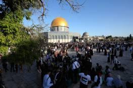 إصابة سيدة واعتقال شابين خلال اعتداء الاحتلال على المواطنين قرب الأقصى