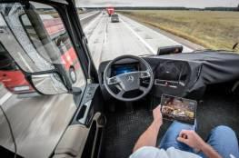 اختبار شاحنة بدون سائق بسرعة 55 ميلا في الساعة