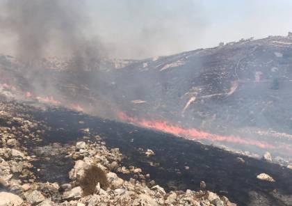 طواقم إطفائية بلدية نابلس تخمد حريقا هائلاً جنوب غرب المدينة