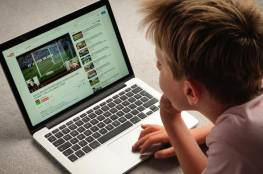 """""""يوتيوب"""" والأطفال.. نقلة """"ثورية"""" على الطريق"""