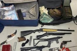 الاحتلال يعلن ضبط أسلحة و أموال طائلة في عملية عسكرية خاصة