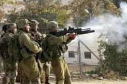 عشرات الإصابات بالاختناق و3 إصابات بالمطاط بقمع الاحتلال مسيرة بيت دجن