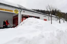 مصرع ثلاثة مترلجين ألمان إثر انهيار جليدي بالنمسا