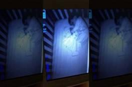 صور.. أم أمريكية تشاهد شبحاً على هيئة طفل ينام بجوار ابنها