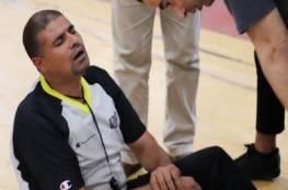إصابة الحكم الدولي حمدان في مباراة دير البلح وغزة الرياضي