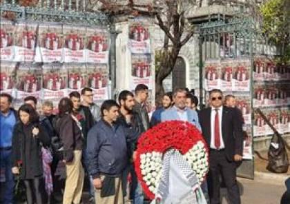 السفير طوباسي يضع إكليلا من الزهور على ضريح شهداء الحركة الطلابية في اليونان