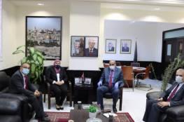 الوفد الوزاري يناقش تنفيذ توجيهات رئيس الوزراء بخصوص غزة