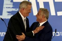 غانتس يغازل لابيد : يمكننا الوحدة مجددًا وأن تكون رئيسًا للوزراء