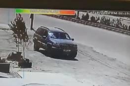 """شاهد: فيديو يوثق استهداف الاحتلال سيارة """"حزب الله"""" على الحدود اللبنانية السورية"""