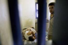 الاحتلال يواصل سياسة التعذيب الطبي بحق الأسرى