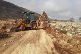 الإغاثة الزراعية توقع اتفاقية شق طرق زراعية في كفر الديك