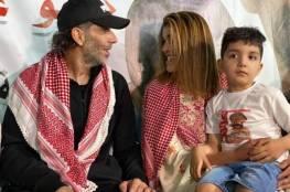 زفاف نادر لأسير محرر وعروسه بحضور طفلهما