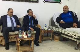صور.. وفد من المخابرات المصرية يزور اللواء ابو نعيم مهنئا بسلامته