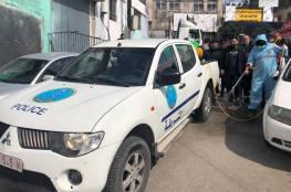 الشرطة تنظم حملة تعقيم في مخيمات محافظة رام الله والبيرة