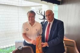الرجوب يبحث مع رئيس الاتحاد الياباني لكرة القدم تعزيز التعاون