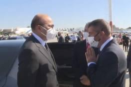 """صور: وزيرا الخارجية والصناعة في دولة البحرين يصلان """"تل أبيب"""" في أول زيارة رسمية"""
