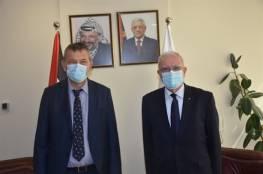 """تفاصيل اجتماع مفوض """"أونروا"""" فيليب لازاريني مع وزير خارجية فلسطين رياض المالكي"""