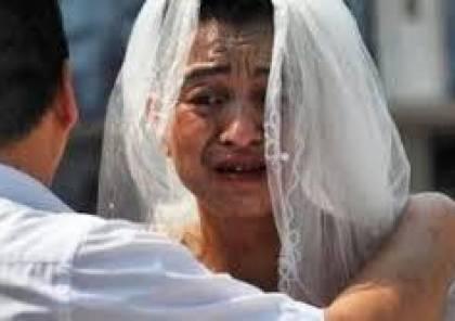 أبٌ يخرج يوميا للشارع بفستان زفاف لإنقاذ ابنته