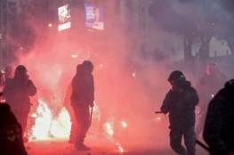 الصليب الأحمر: عشرات الاصابات جراء مواجهات بين الأمن والمحتجين وسط بيروت