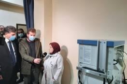 السفير عبد الهادي يسلم مكرمة من الرئيس لمستشفى يافا بدمشق
