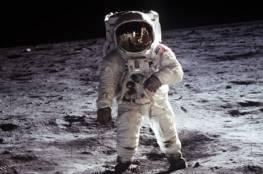"""فنان """"يفكك"""" صورة من مهمة """"أبولو 11"""" ليكشف ما رآه رائد فضاء!"""
