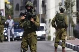 الاحتلال يستولي على معدات ورشة حدادة ويداهم أخرى جنوب شرق القدس