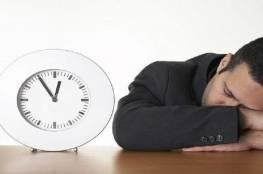 العلماء يكشفون تبعات قلة النوم والإجهاد في العمل