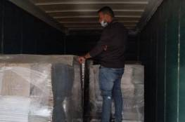 الضابطة الجمركية تضبط شاحنة محملة بالكراتين قادمة من المستوطنات في محافظة سلفيت